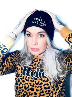 Rebell Mössa svart  a rebell not your baby unisex