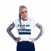 Rebell Tshirt i get us into trouble unisex