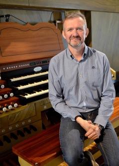 Anders Wilhelmsson är sedan 2013 organist och körledare i S:t Nikolai kyrka. Anders har varit verksam som kyrkomusiker i mer än 25 år på olika platser i södra Sverige. Vid sidan om sin tjänst som kyrkomusiker har han ackompanjerat sångare och instrumentalister i olika sammanhang och genre. 2015 uruppförde Anders Tommie Haglunds orgelstycke Di sogni tessuto i samband med invigningen av orgeln i S:t Nikolai kyrka. Anders Wilhelmsson är producent för festivalen vilket han var är även 2016.