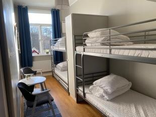 Familjerum på barnvänligt Vandrarhem 30 min från Gekås Ullared - Kalvs skolhus