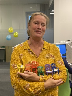 MIA-projektet har blivit en förebild. Eva Magnusson, förbundschef i Stockholm, tar med sig idéer för hur ingen ska hamna mellan stolarna till Samordningsförbundet Göteborg när hon nu lämnar Stockholm.
