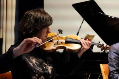 Eva Lindal violin Hjortensbergskyrkan 10/8 kl 19.00
