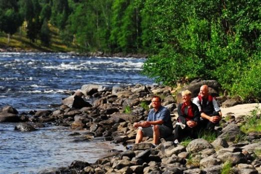Öreälven,  Lögdeälven, Vindelälven och Umeälven är fyra brusande älvar med vilda forsar och fiskrika vatten. Copyright och fotograf är Visitumea