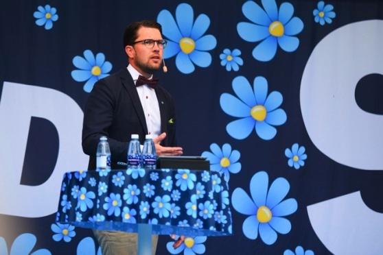 Copyright bild Sverigedemokraterna. Fotograf Jonathan Othén. (Jag har fått godkännande av partikansliet att publicera fotot och talen.)