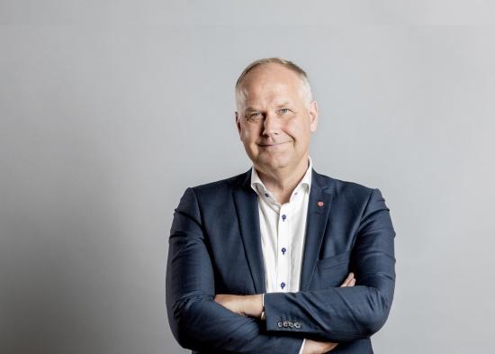 Fotograf okänd. Copyright Vänsterpartiets partikansli. Partiledare Jonas Sjöstedt. Vänsterpartiets dag i Almedalen. (Jag har fått partikansliets godkännande att publicera fotot och talet./EC)