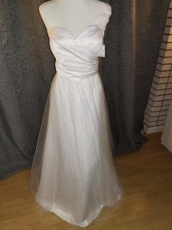 Tyll klänning stl L