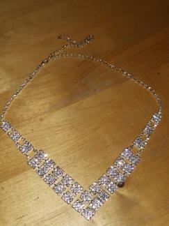 Halsband i strass
