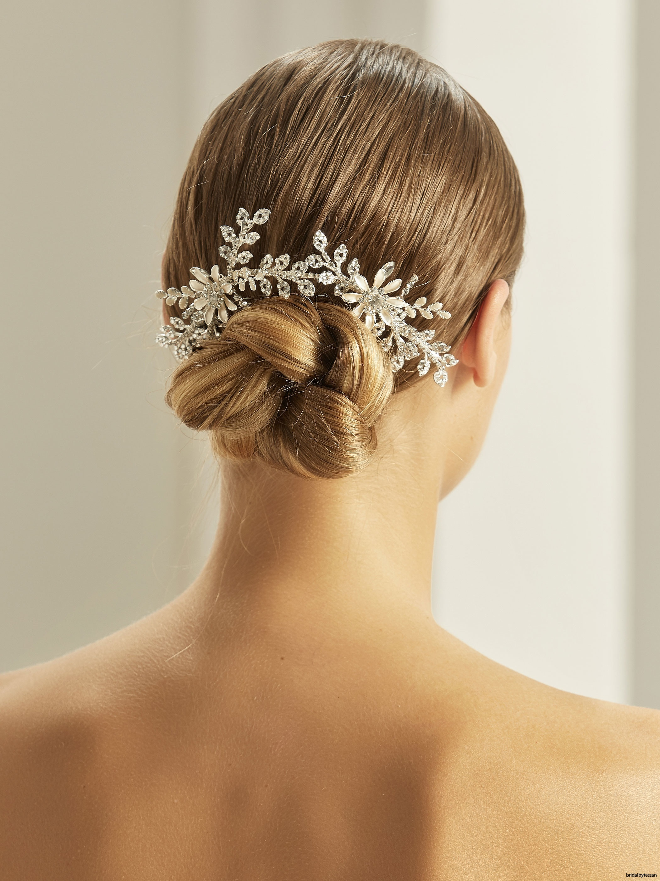 2137-Bianco-Evento-bridal-headpiece-(1)