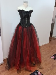 Tyll kjol svart/röd