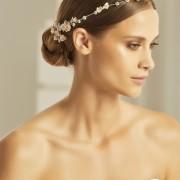 Hårband med blommor, kristaller och pärlor
