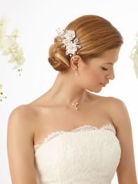 Hårsmycke med pärlor, kristaller och blommor
