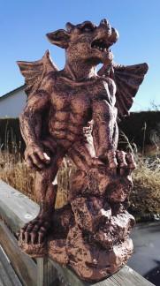 Gargoyle stående - Gargoyle stående kopparfärgad