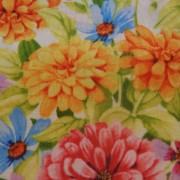 Bomullstyg med blommor i pastellfärger (Adalee's Garden)
