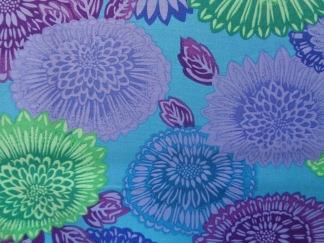 Bomullstyg blå-lila blommor (Lacy)