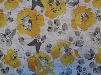 Bomullstyg gul-grå blommönster (Soleil)