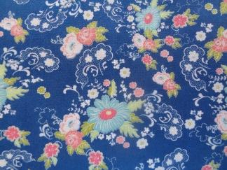 Bomullstyg blått/turkos-rosa blommor (Tuppence)