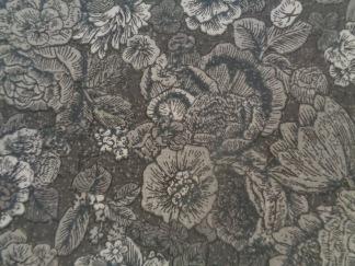 Bomullstyg grå blommönster (Fusions Garden)