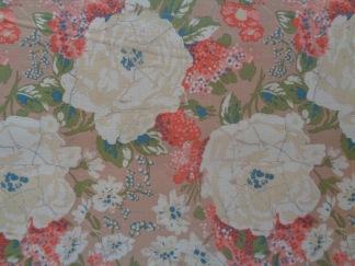 Bomullstyg beige/ljusbeige blomma (Edgar's Bouquet)