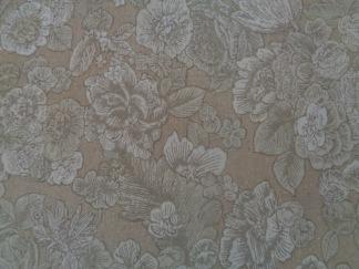 Bomullstyg beige blommor (Fusions Garden)