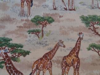 Bomullstyg beige/giraffer (Safari Giraffes)