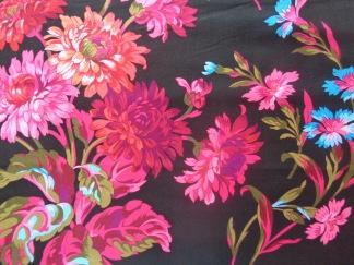Bomullstyg cerise stora blommor (Anne-Marie)