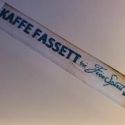 LITET FYNDPAKET MED KAFFE FASSETT-TYGER