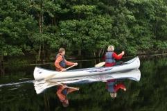 Hos oss kan ni hyra kanoter för färd på Lagan och Hjörneredssjöarna