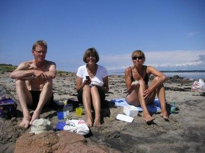 ...och det blev badväder när vi kom till Tylön! Lars, Anita och Kerstin.