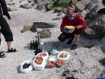 Jarmo från Upplevelsebolaget med en utsökt  skaldjursbuffé