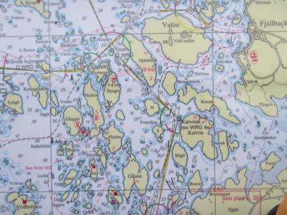 Anders försåg oss alla med sjökort och landkartor inplastade och klara.