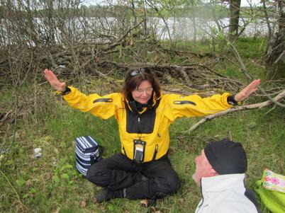 Lisen instruerar yoga...