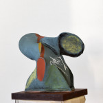 Skulptur Ståltråd och nylonstrumpa, bemålad med akrylfärg.