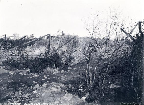 Stenbrottet beläget strax söder om Kiruna kyrka. Foto: Borg Mesch 1900. Kiruna kommuns bildsamling.
