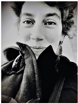 Derya Teszan – Singer/Songwriter från Stockholm