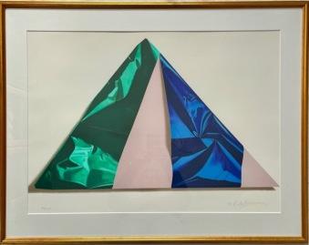 Pyramid inslagen i grönt och blått 1990 (Yrjö Edelmann) -