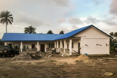 skolbyggnad, skola, afrika, sierra leone, hjälporganisation, bistånd