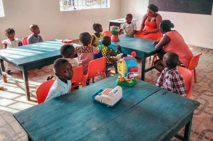skola, afrika, sierra leone, hjälporganisation, fvbu, hjälparbete, bygga