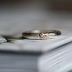 Förlovningsring diamant i guldfattning