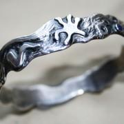 Armband under ytan
