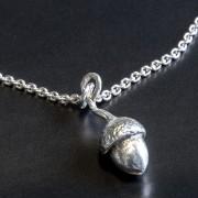 Silverekollon hänge
