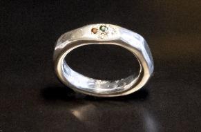 Silverring med briljanter i pavéfattning - Silverring med briljanter