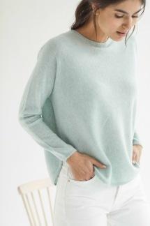 Curved Sweater flera färger finns - Curved Sweater light green L