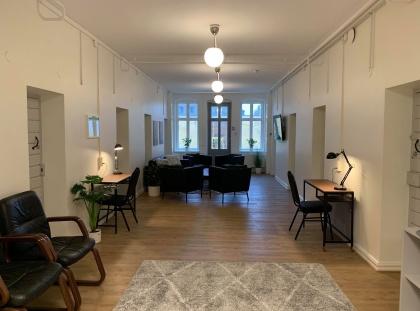 Studentskeborgen i Halmstad erbjuder kvinnliga studenter vid Högskolan i Halmstad ett nyrenoverat och fräscht studentboende i centrala Halmstad.