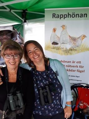 Christel Stenberg och Monica Pedersen från Rapphönan Skåne ansvarade för Rapphönans monter!