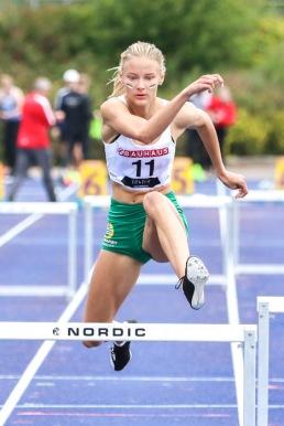 Esther Sahlqvist - 300 häck - 1:a - 44,02