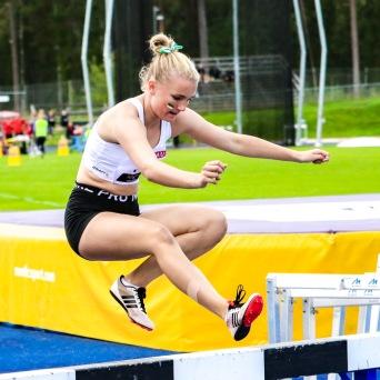 Maja Simonsson - 1500 hinder - 7:a - 5.55,57