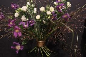 Gräs lila blommor Hanataba guld