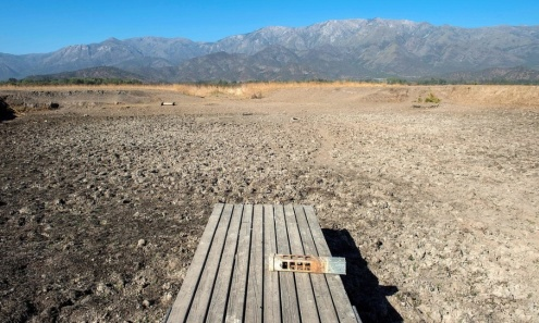 MARTIN BERNETTI/AFP/TT Det nu uttorkade tidigare semesterparadiset, sjön Aculeo i Chile.