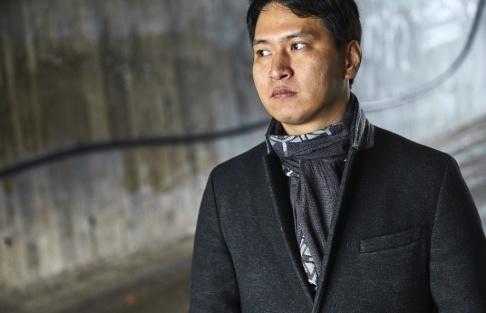 Fredrik Persson/TT Nordkoreanska Kim Keon-woo flydde sitt hemland som tonåring och arbetar nu med barnrättsfrågor från Sydkorea.