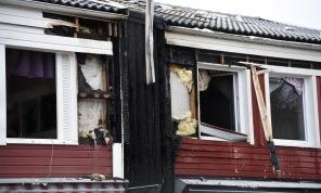 Marko Säävälä/TT Boende i tre radhus fick evakueras och två personer fick lättare skador.